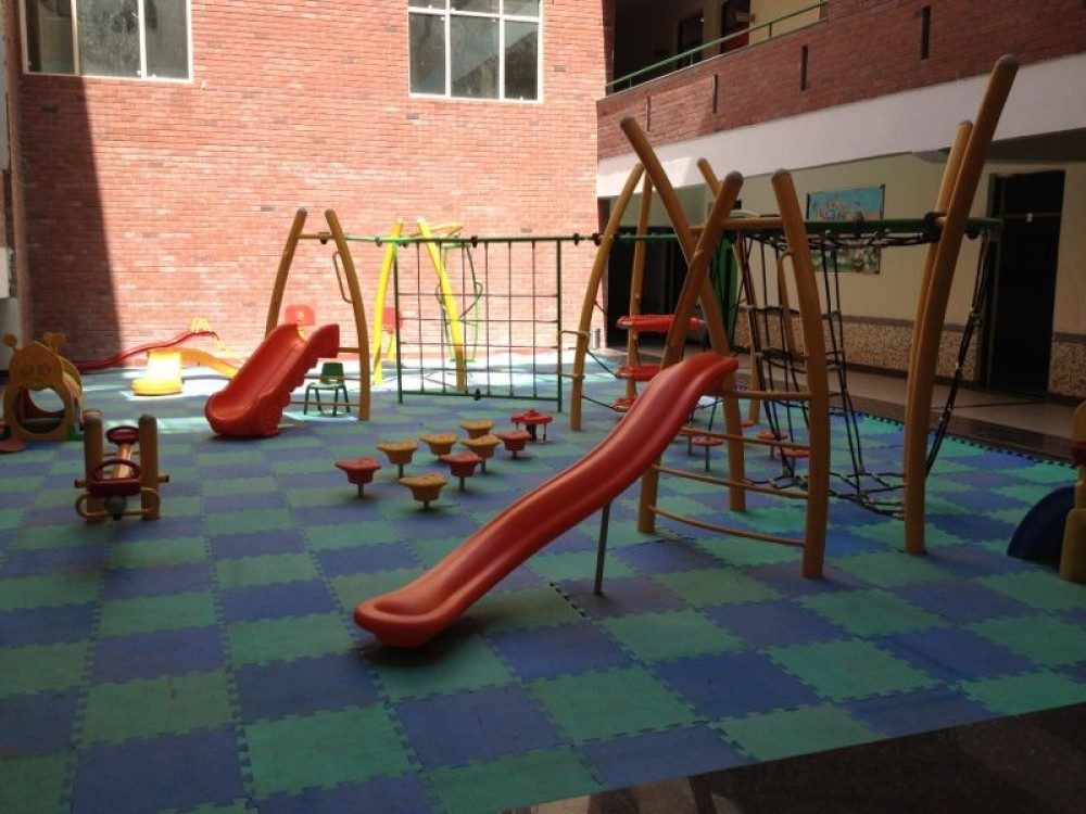 Keep Your Children Happy With High Quality Outdoor Play Equipments