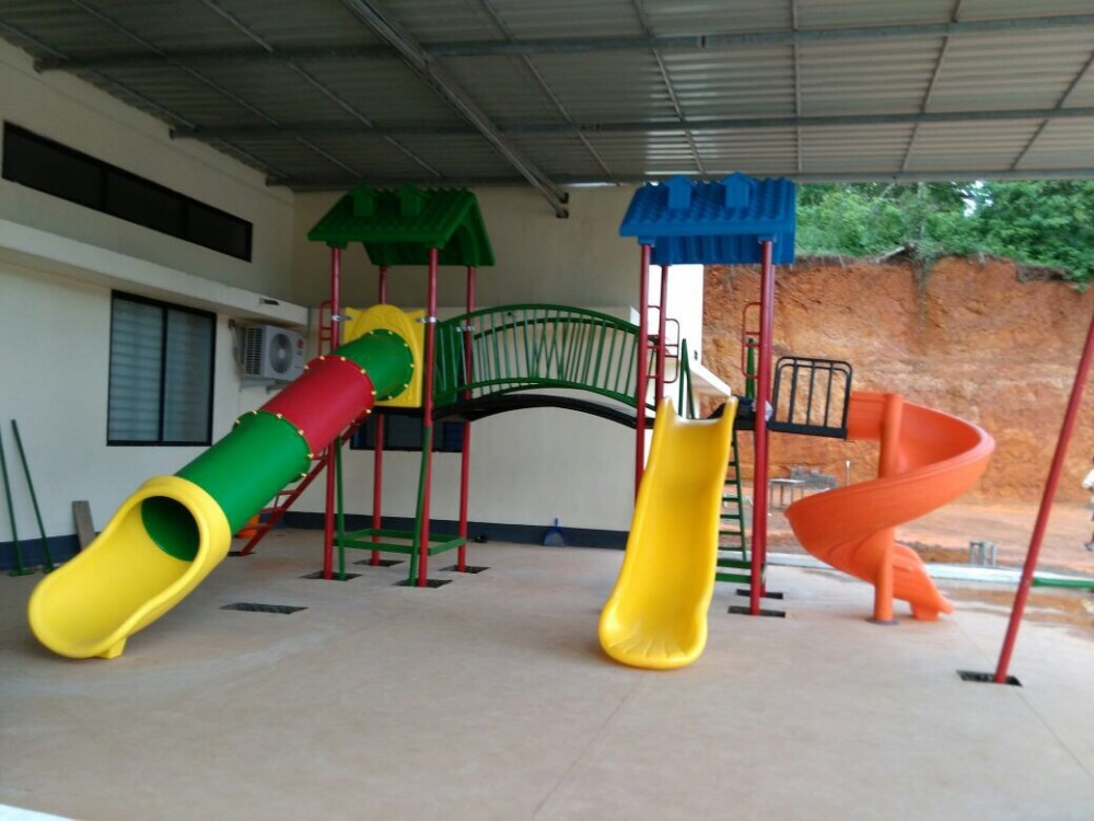Playground play equipment for schools
