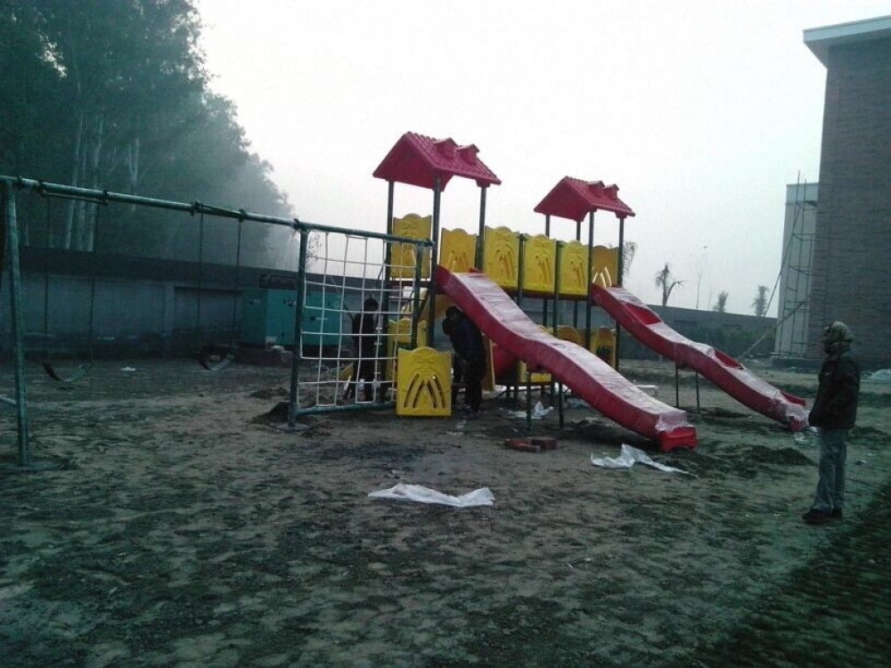 Outdoor Park Play Equipment in School