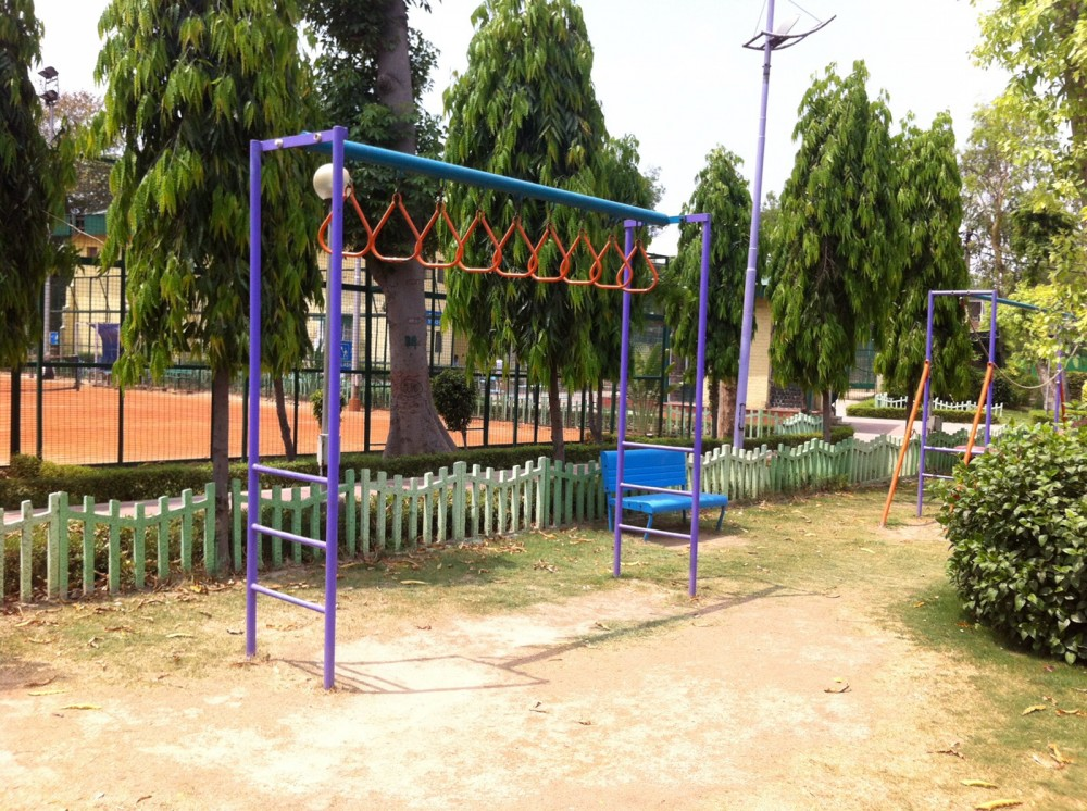 Park Play Equipment for Kids