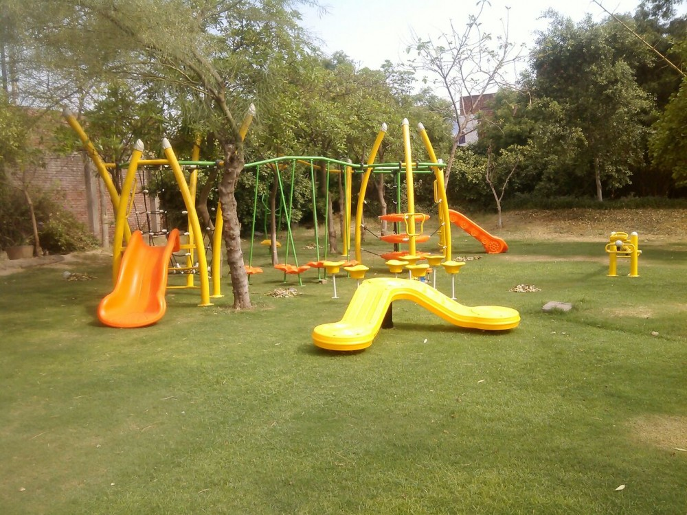 Outdoor Scrambler for Playgrounds